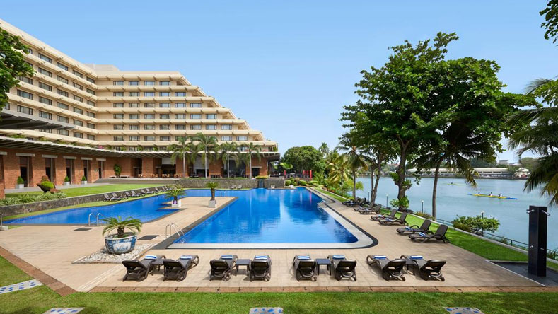 Cinnamon Lakeside Luxury Hotels in Colombo Sri Lanka