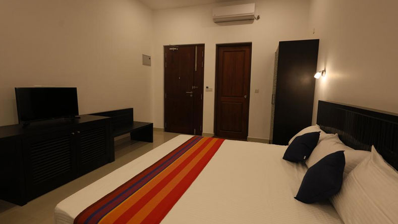 Golden Pier City Budget hotels in Colombo Sri Lanka
